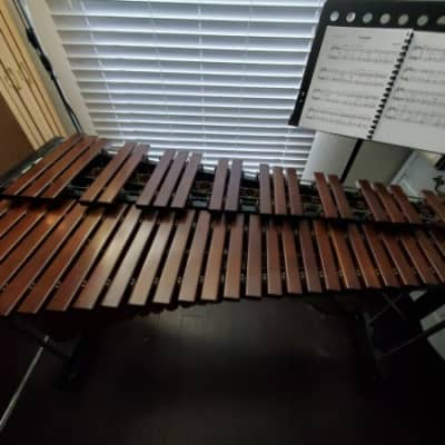 KOSTH Marimba on Stand in Great Condition (Model 80 630)