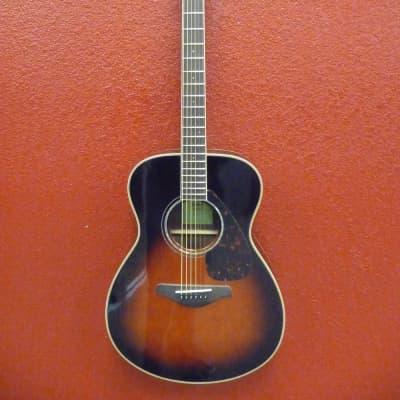 Yamaha FS830-TBS Small-Body Acoustic Guitar Tobacco Brown Sunburst