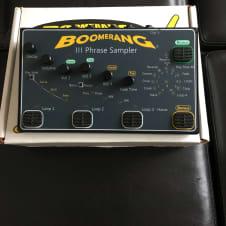Boomerang III 3 phrase sampler looper loop pedal