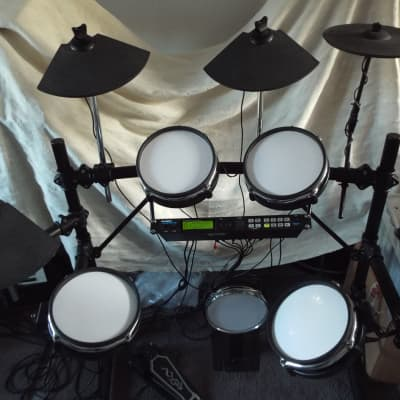 Alesis DM5 Pro Kit Electronic Drum Set