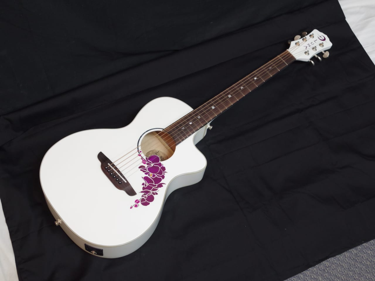 LUNA Flora Orchid acoustic electric GUITAR new White ...