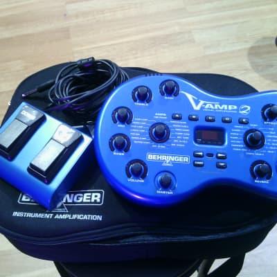 Behringer V-AMP 2 VIrtual Guitar Amp + FS112V SWITCH