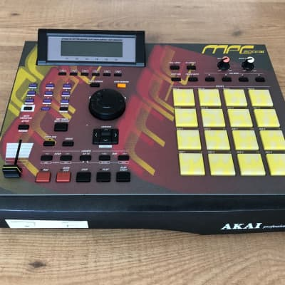 Akai MPC-2000XL (Warranty / Serviced / Floppy to USB reader)