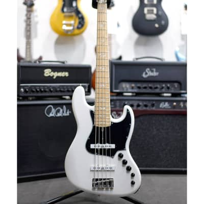 Alleva Coppolo LM5 Deluxe(Ash Body) White w/Matching Headstock for sale