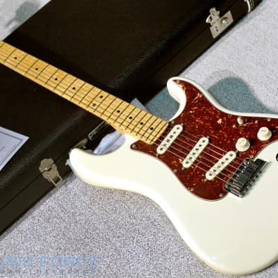 Fender Custom  Shop Yuriy Shishkov Masterbuilt Custom Deluxe Strat-Antique White