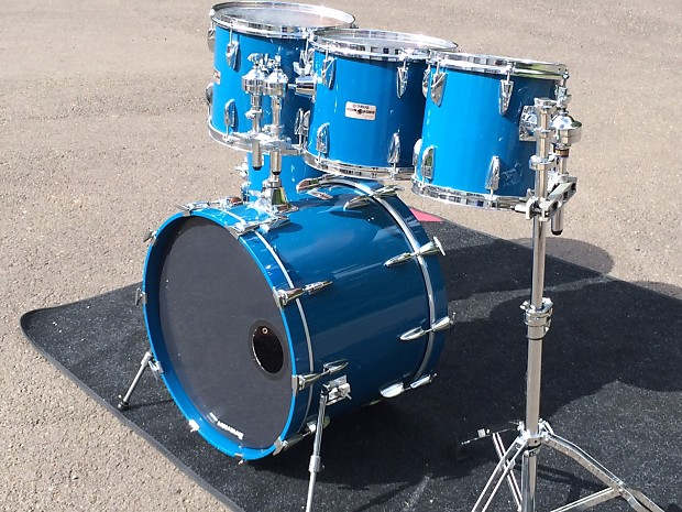 yamaha tour custom 5 piece drum set cobalt blue reverb. Black Bedroom Furniture Sets. Home Design Ideas