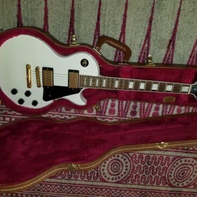 Gibson Les Paul Buying Guide: Standard vs Studio vs