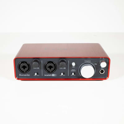 Focusrite Scarlett 2i2 USB 2.0 Audio Interface