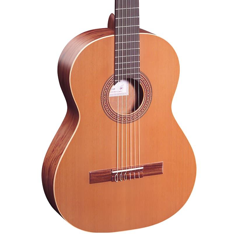 Ortega Traditional Series Cedar Top Nylon String Acoustic Guitar R180