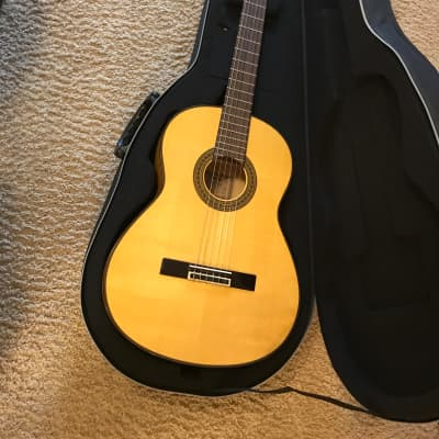 Yamaha CG171SF Flamenco Guitar in mint condition with road runner foam hard case for sale