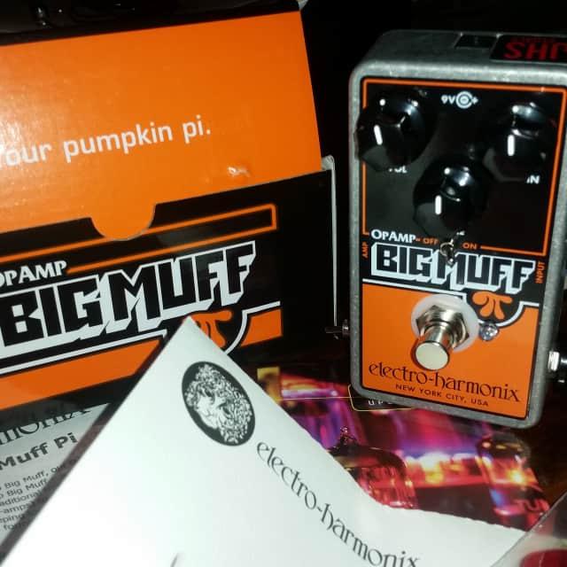 """Electro-Harmonix Op Amp Big Muff Pi w/JHS Smashing """"Pumpkin Patch"""" Mod  - Velcro fuzz to Muff HUGE image"""