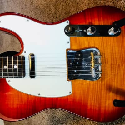 FENDER FENDER CUSTOM SHOP TELE DELUXE LIMITED EDITION  2013 CHERRY SUNBURST for sale
