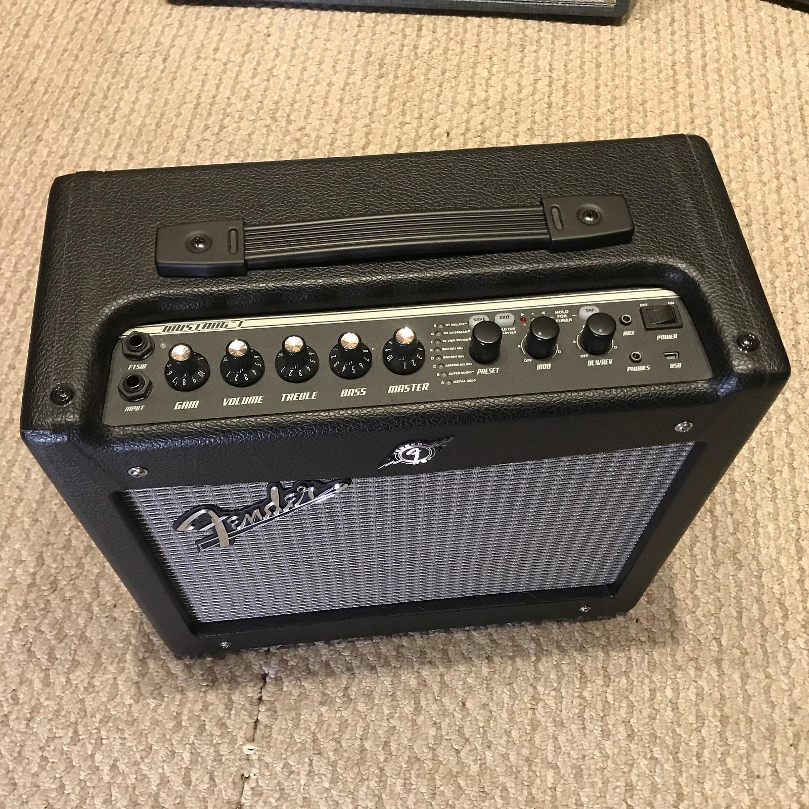 Fender Mustang I V.2 20W 1x8