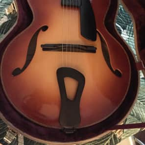 2003 Tom Bills Natura Deluxe archtop in sitka spruce/big leaf maple w/ Ameritage Gold Series Case for sale