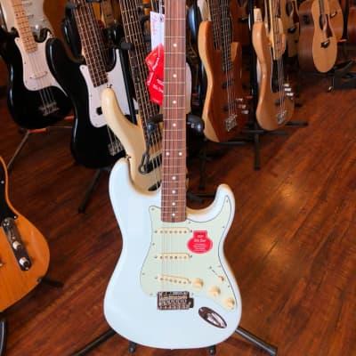 Fender Classic Player '60s Stratocaster with Pau Ferro Fretboard - Sonic Blue for sale