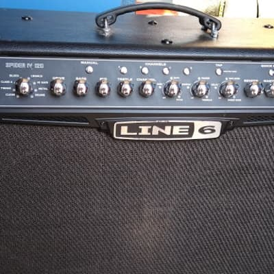 Line 6 Spider IV 150W Combo Amp w/ FBV Advanced Foot Controller