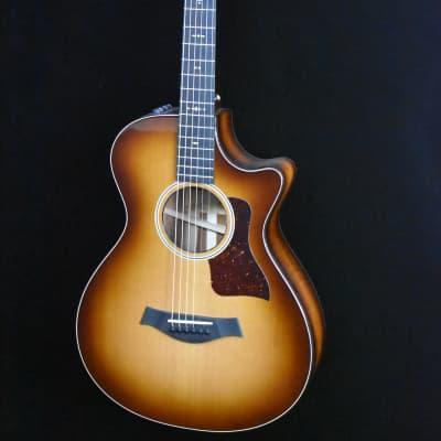 Taylor 512ce 12-Fret LTD, Solid Cedar/Hawaiian Koa, w/ V-Class Bracing and Hard Case