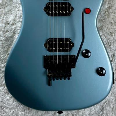 EVH 5150 Series Standard Ebony Ice Blue Metallic