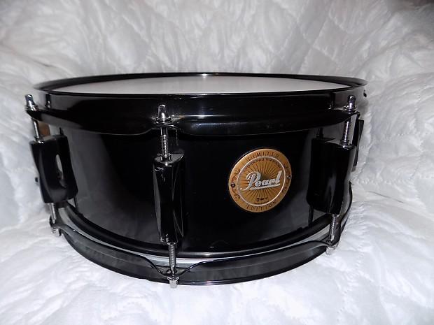 pearl vision birch snare drum black with black hardware reverb. Black Bedroom Furniture Sets. Home Design Ideas