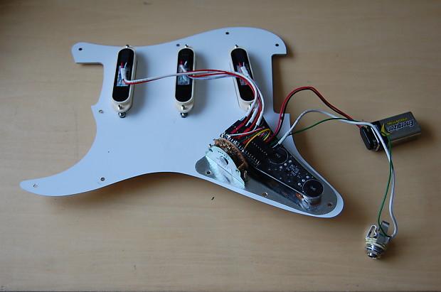 emg dg20 david gilmour pre-wired stratocaster strat pickguard white