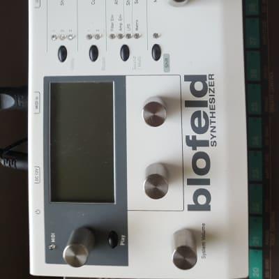 Waldorf Blofeld Desktop Digital Synthesizer White