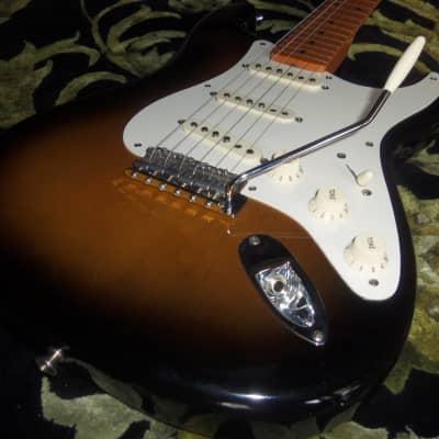Fender Artist Eric Johnson Stratocaster 2006 Two Tone Sunburst