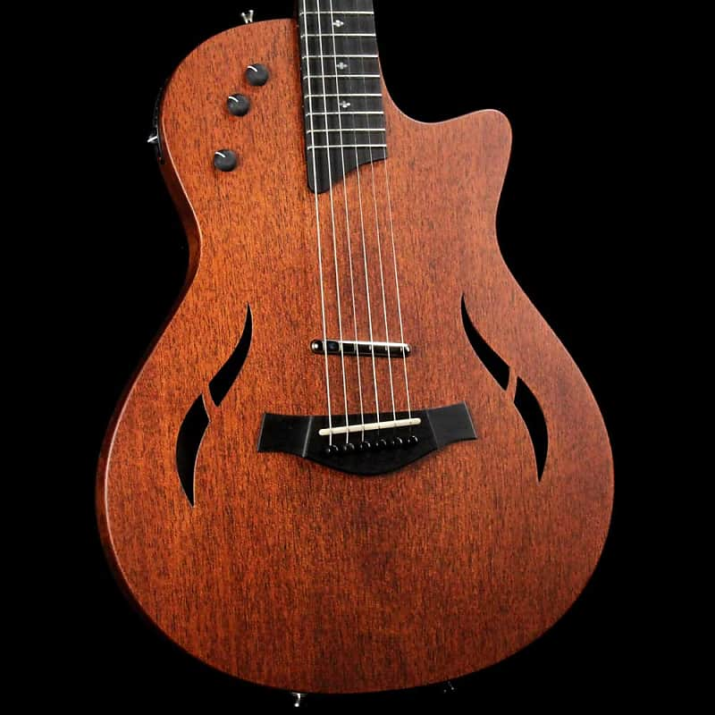 Taylor T5z Classic Acoustic-Electric Hybrid Guitar Natural