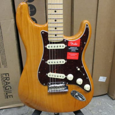 Fender Light Ash American Professional Stratocaster 2018 Aged Natural w/ohsc amnd box Mint/Unplayed! for sale