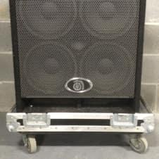 Ampeg BSE410HLF 4X10 SPEAKER CABINET IN ROAD CASE BLACK / SILVER