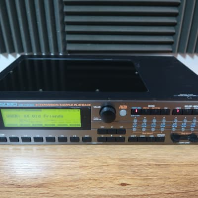 Roland XV-5080 (220 Volt)