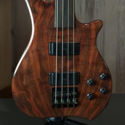 Zon Legacy Elite fretless 4 string bass guitar (walnut) 日本語OK! for sale