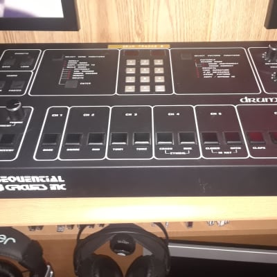 Sequential Circuits Drumtraks with extra EPROM Adapter, SNARE and TOM Chips