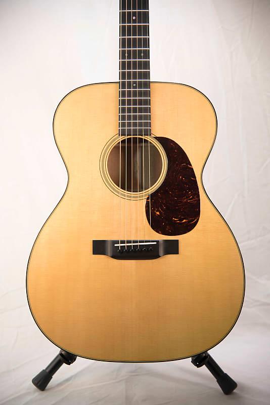 Best Acoustic Guitar Cases 2018 : martin 000 18 2018 acoustic guitar new w case reverb ~ Vivirlamusica.com Haus und Dekorationen