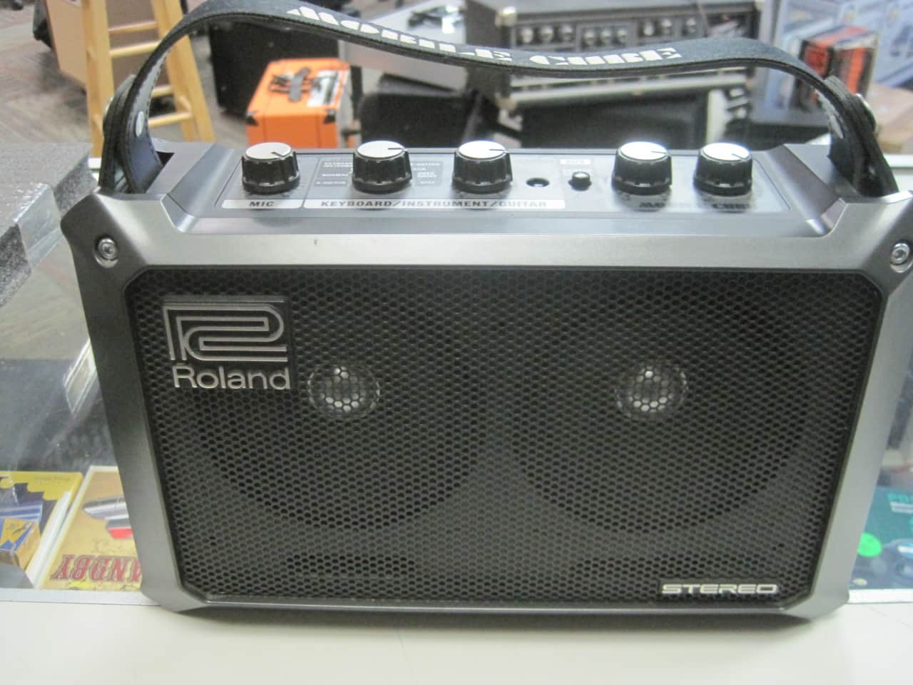 roland mobile cube stereo black ayers street music reverb. Black Bedroom Furniture Sets. Home Design Ideas