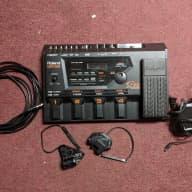 Roland GR-33 with 2 GK pickups
