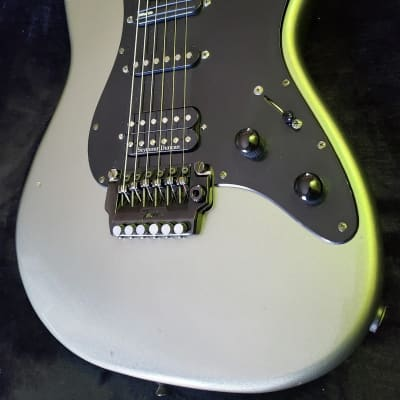 Fender Contemporary Series Stratocaster Deluxe HSS 1985 - 1987 for sale