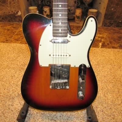 Fender Telecaster - American Deluxe Nashville Sunburst with Binding
