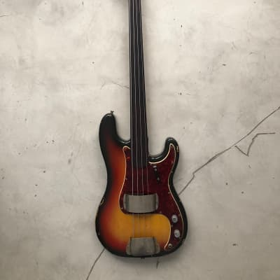 Fender Fretless Precision 1971 Three Tone Sunburst