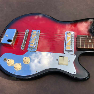 Vintage MIJ Guyatone Royalist Electric Guitar w/ Gold Foil Pickups & HSC for sale