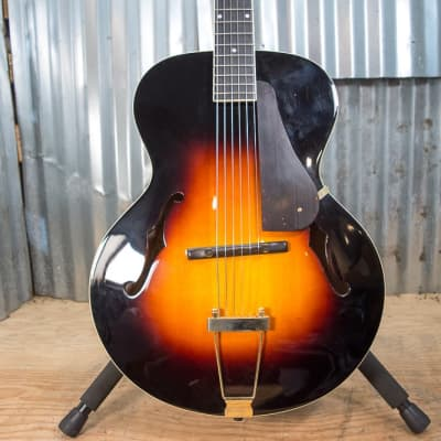 The Loar LH-700-VS for sale