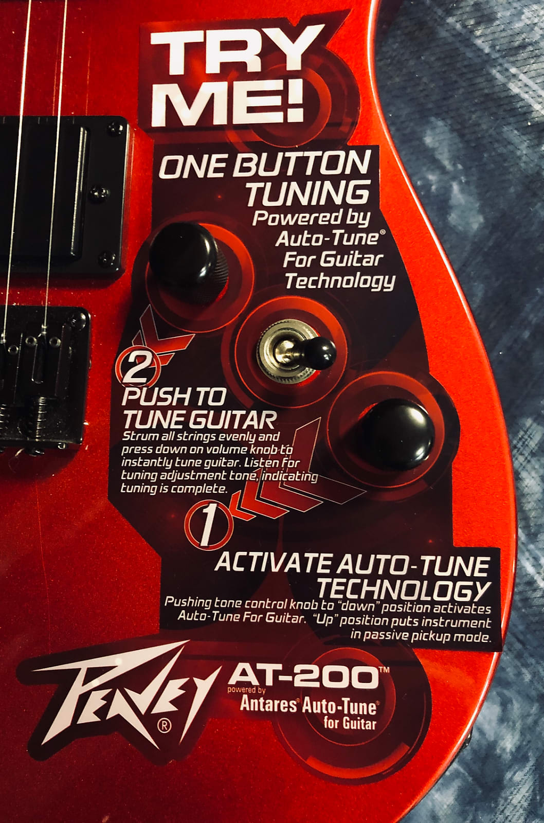 Peavey AT-200 Auto Tune Self-Tuning Electric Guitar Candy Apple Red