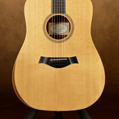 Taylor Academy 10 Acoustic Dreadnought  2017 Natural Finish Sitka Spruce/Layered Sapele