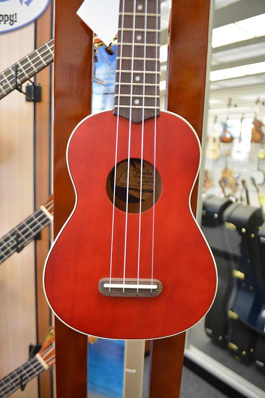 Fender Venice Soprano Ukulele - Red