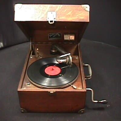 RCA Victor 45-EY-2 45 RPM Bakelite Vintage Record Player