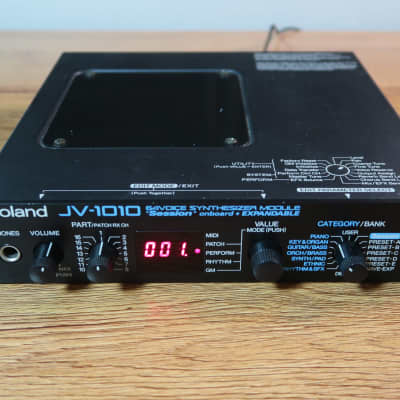 Roland JV-1010 64-Voice Synthesizer Module