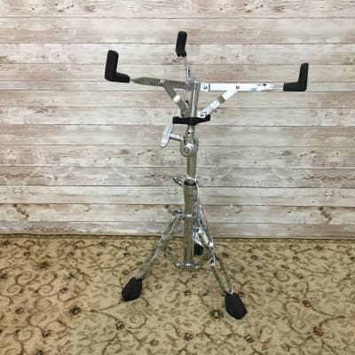 Used Pearl S-830 Snare Stand