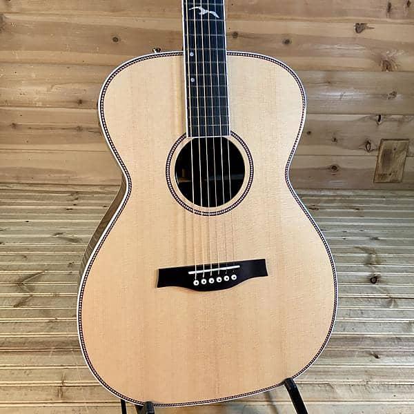 Seagull Artist Studio Concert Hall Eq Acoustic Guitar