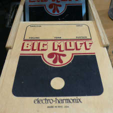 Circa 2000 Electro-Harmonix Big Muff Fuzz NYC Guitar Effects Pedal 2N5088 + Box!