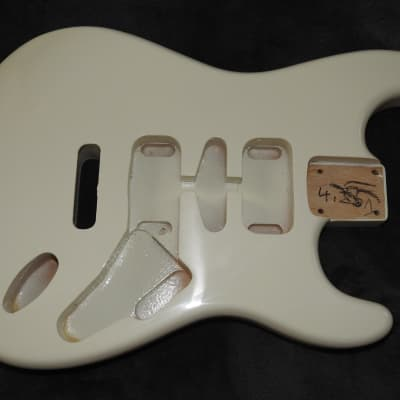 Mighty Mite MM2700AF-AWHT Strat Swamp Ash Body Antique White Thin Poly Finish NOS