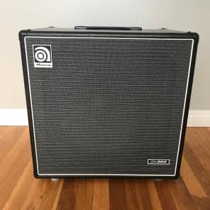 """Ampeg BA300-115 300-Watt 1x15"""" Bass Combo"""